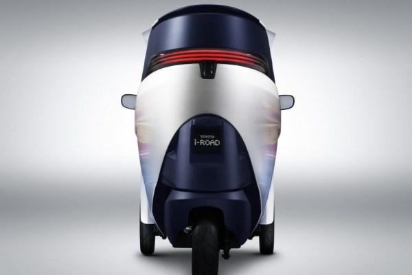 Toyota-i-ROAD-EV-Concept-Rear