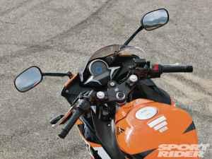 lightweight-sportbike-comparison-test-2013-honda-cbr250r-dash