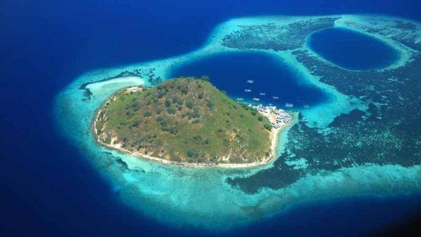 Pulau Bidadari, Flores. Pic by zahraizz17.blogspot