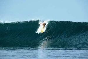 Kaya gini nih kalo ombak Pantai Bo'a lagi gede. Pic by indoholidaytourguide