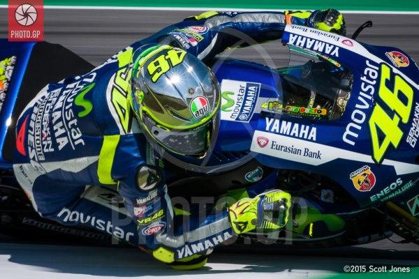 Valentino-Rossi-Mugello-2015-helmet-L