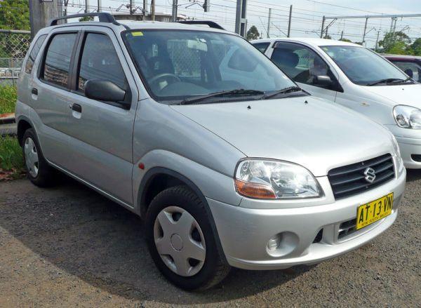 800px-2000-2003_Suzuki_Ignis_(RG413)_GL_5-door_hatchback_04