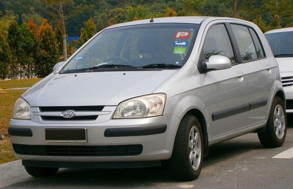 2004_Hyundai_Getz_GL_5-door_hatchback_in_Puchong,_Malaysia_(01).jpg