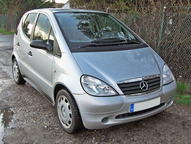 800px-Mercedes_A140_Classic_Fun_20090329_front.jpg