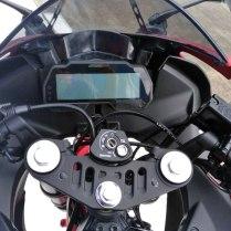 3-speedometer-full-digital-yamaha-all-new-r15-2017-indonesia