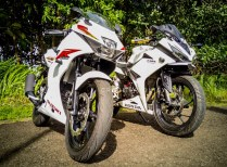 all-new-cbr150r-di-jejerin-suzuki-gsx-r150-3-1