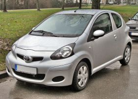 Toyota_Aygo_Facelift_20090222_front