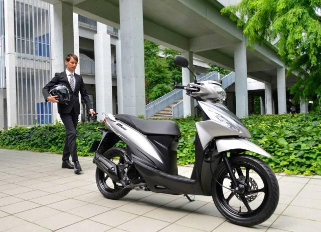 2015-Suzuki-Address-110-005.jpg