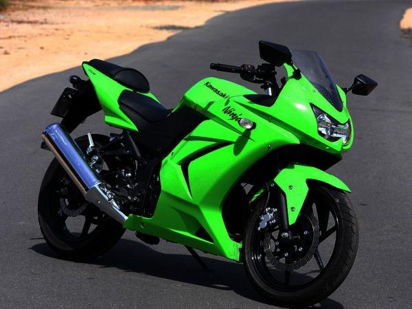 Kawasaki_Ninja_250_R_4043_13.jpg